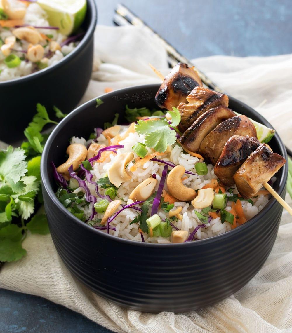 Cơm nấu với hạt điều và dừa kiểu Thái